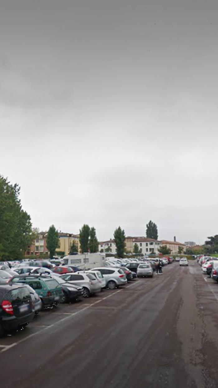 Piazza Anconetta - Free parking area.